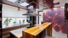 Сегодня дизайнеры с успехом используют стены кухни для декора помещения
